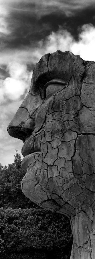 uomo pietra