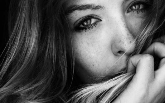 donna piange2