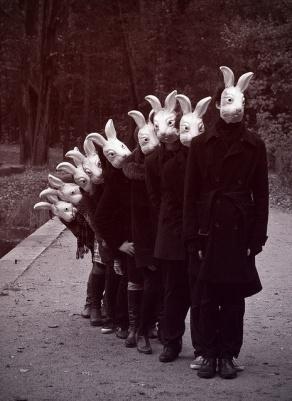 uomo-coniglio.jpg